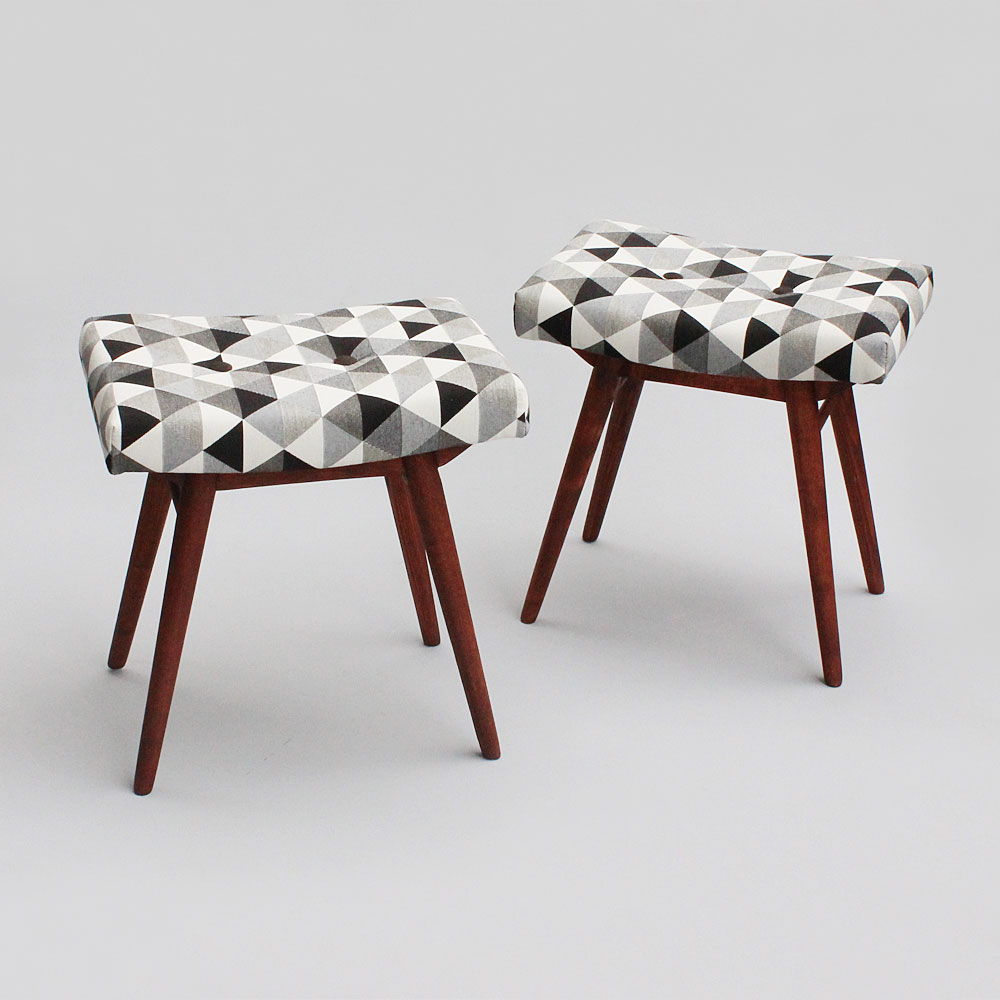 triangles stools
